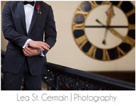 jd designs , lea st germain photography , boston, boston wedding, gold and black , exquisite linens and florals , clock , smith and wollensky , groom , boutonniere , giblees
