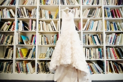 wedding gown , museum , decordova , art , modern , romantic , library , liz linder photography , boston , boston wedding